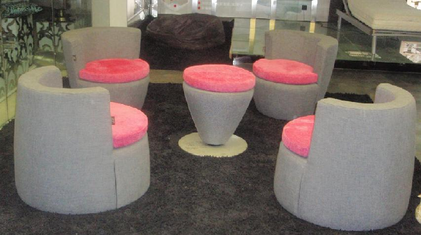 Компактна мека мебел за хола