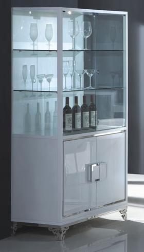 Шкаф за трапезария