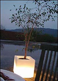 Светещ куб