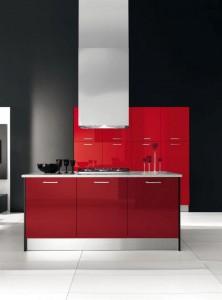 Дръзка  червена кухня и лъскав кухненски интериор